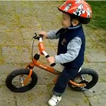 Czarek i jego rowerek biegowy Kettler Orange Air