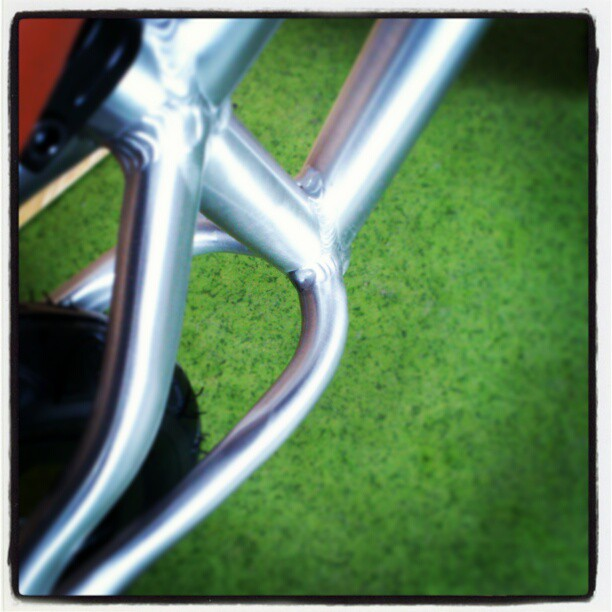 Rowerek biegowym Early Rider Alley Runner - aluminiowa rama