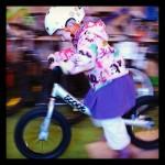 Trzylatka i rowerek biegowy Ridgeback Scoot XL