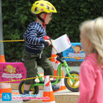 Dziecko na rowerku biegowym Puky LR M