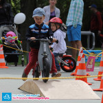 Dziecko na rowerku biegowym First Bike