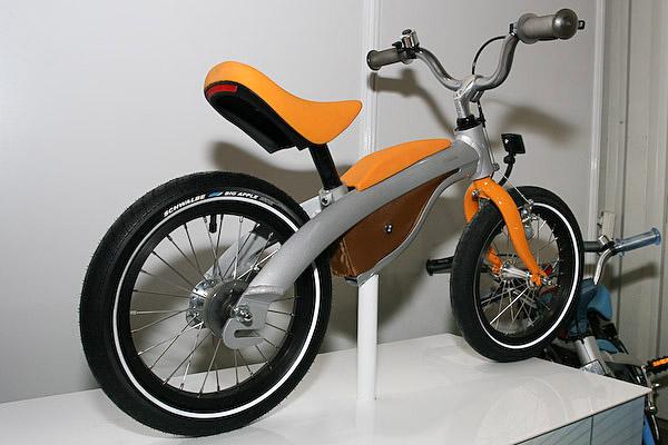 rowerek biegowy BMW