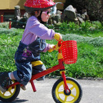 AktywnaZosia i przesiadka z rowerka biegowego na rowerek z pedałami