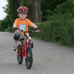 Przesiadka z rowerka biegowego na rower z pedałami