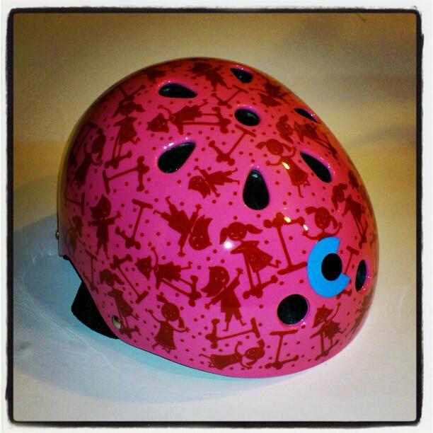 Różowy kask Micro