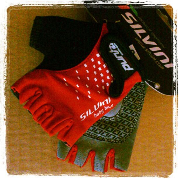 Rękawiczki rowerowe dla dziecka Silvini czerwone