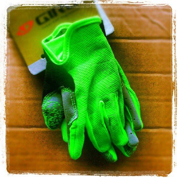 Zapowiedzi AktywnegoSmyka... rękawiczki rowerowe dla dziecka Giro DND Jr zielone