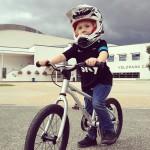 AktywnySmyk lubi… piękne zdjęcie chłopaka na rowerku Early Rider Belter